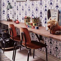 Un escritorio angosto es una gran solución para lugares pequeños.