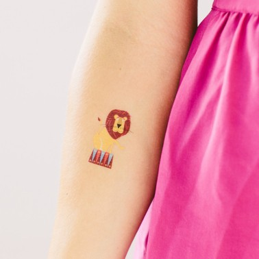 tattly_ed_miller_circus_lion_web_applied_01_grande