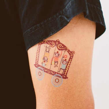 tattly_ed_miller_circus_monkeys_web_applied_01_grande